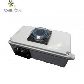 Davin relaiskast dv-12     2 x 600w/400w max. 6 amp.